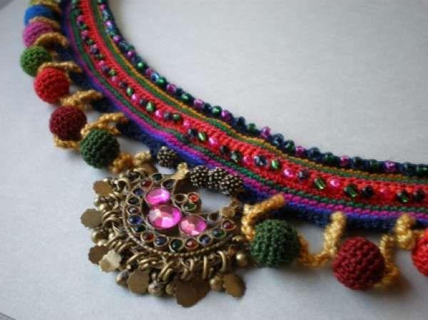 Orgu kolye modelleri -renkli