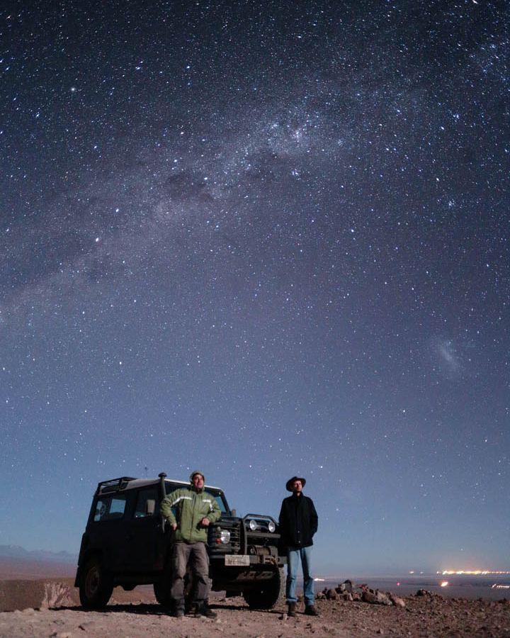 Sob o céu do Atacama ... . . #viajar #viagem #americadosul #southamerica #viajando #viajandodecarro #landrover #landroverdefender #defender90 #ruta #carretera #peru #chile #bolivia #argentina #cusco #machupicchu #puno #titicaca #atacama #atacamadesert #altiplano #onelifeliveit #fabioamaral #curtindoavidaadoidado #desiertodeatacama #travel #traveling #night #longexposure by fabioamaralfotografias Sob o céu do Atacama ... . . #viajar #viagem #americadosul #southamerica #viajando…