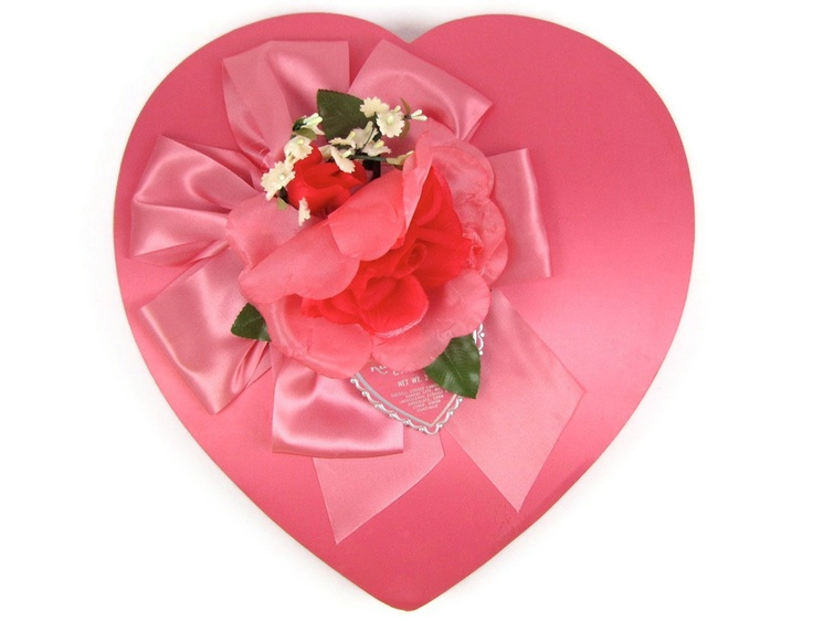 106 best COLLECTIONS~VINTAGE HEART CANDY BOXES images on Pinterest ...
