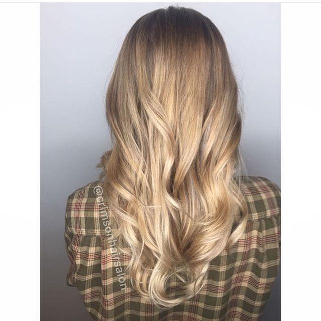 Sunshine Blonde☀️  #kelowna #may #sun #blonde #olaplex #tanning #plad   Hair @hair.by.amandajess