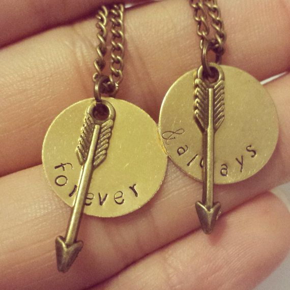Cute matching couple or best friends necklaces! Can be customized! www.etsy.com/listing/191275356/forever-and-always-matching-necklaces