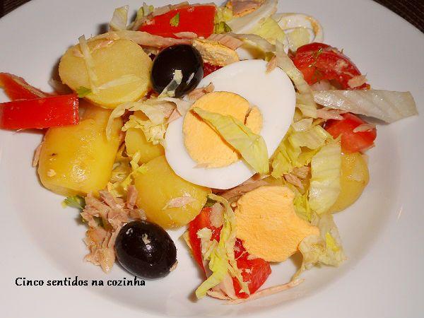 Cinco sentidos na cozinha: Salada de atum com batata e tomate