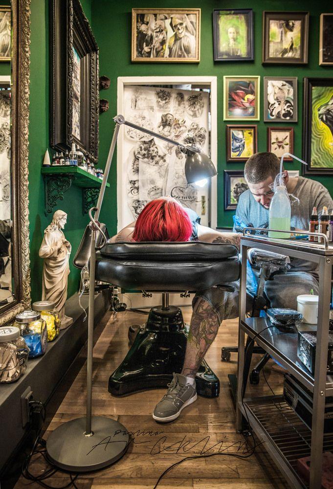 73 best tattoo shop decoration images on pinterest tattoo shop decor tattoo studio and interiors. Black Bedroom Furniture Sets. Home Design Ideas