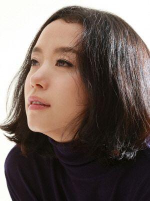 '화장 안해?!' 배우 전도연 민낯 미모 눈길…공항패션 넘어서