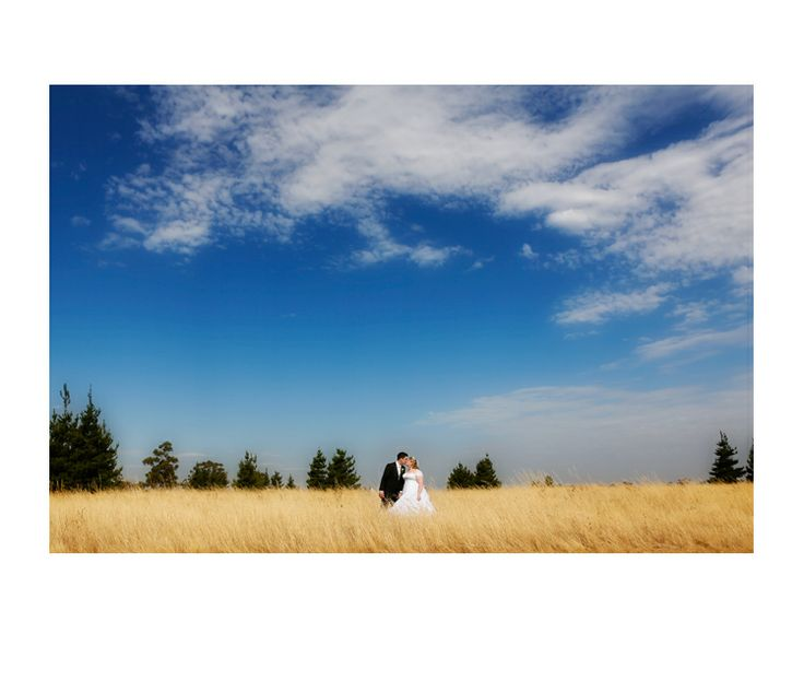 Perfect day!  | Country Wedding by Red Butterfly Photography | #weddingphotography #field #love