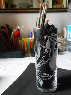 Paola Brunetti incisioni su vetro: Piccolo vaso inciso con rose