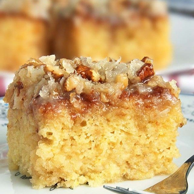 Do Nothing Cake /This cake is not only made from scratch but so ridiculously easy to make. There's a direct link a @cakescottage that will take you right to the recipe.#instafood #instayum #foodgasm #foodporn #recipe #realfood #cake #coconut #pineapple #walnuts #foodblogger #dessert