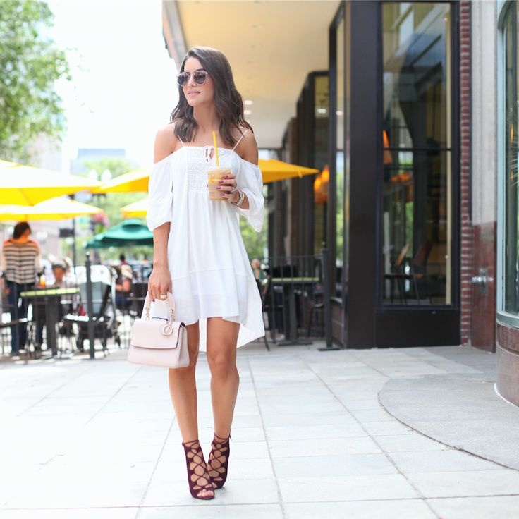 camila coelho wearing summer white dress gladiador nine west sandal 1