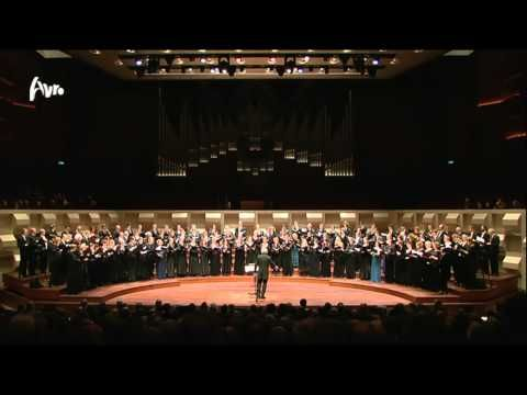 ▶ Tallis - Spem in alium (a 40) - Harry Christophers - Live Concert - HD - YouTube
