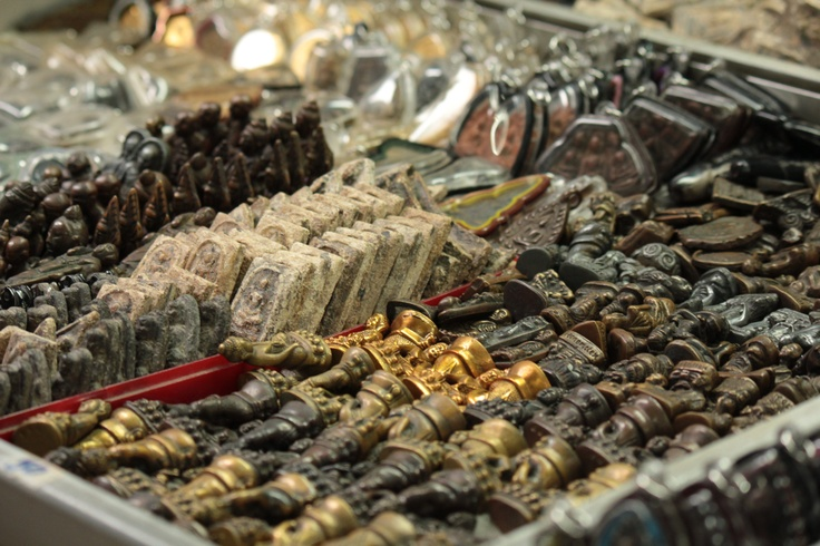 What could be a better souvenir than an Amulet of Buddha... when you visit Phuket (Thailand)