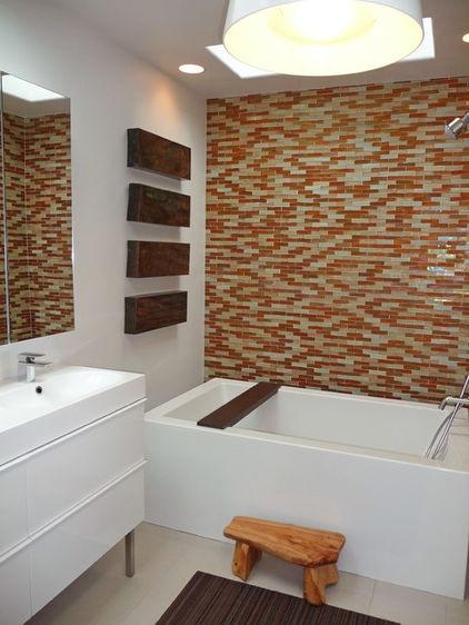 modern bathroom by Shelley Gardea