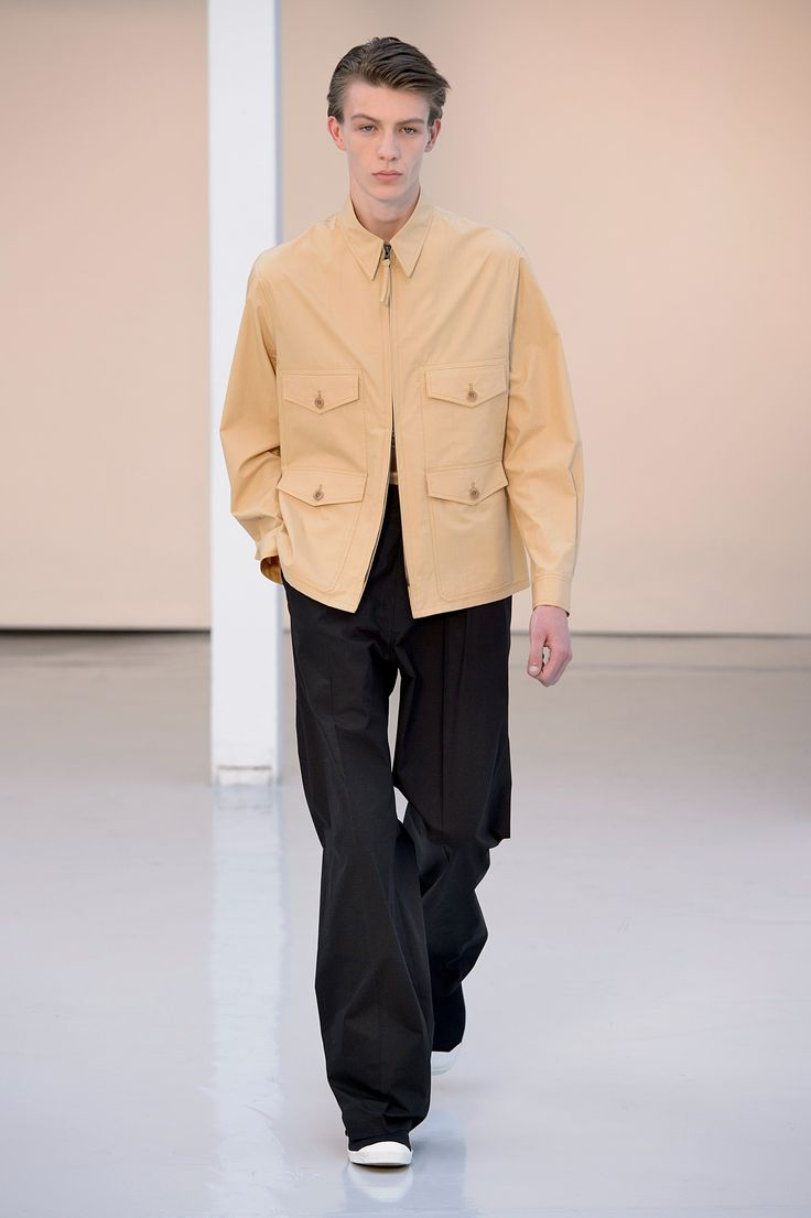04. Four-pocket blouson in heavy cotton poplin, tank top in soft cotton jersey, two-pleated large pants in heavy cotton poplin, high cut sneakers in cotton denim #lemaire