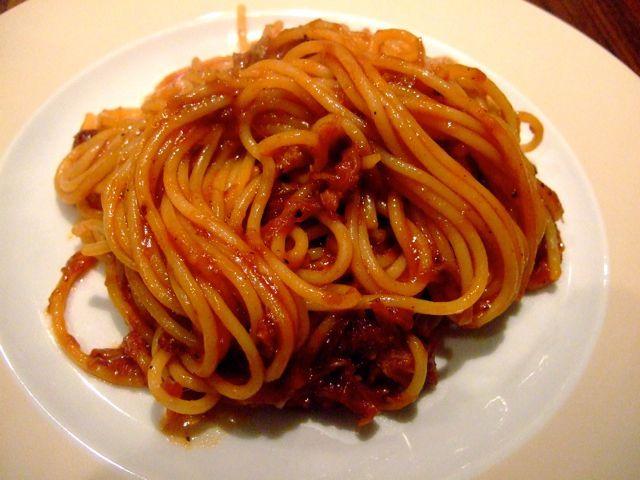 Barbecue spaghetti is een BBQ klassieker uit Memphis. Het is een ideaal gerecht om overgebleven pulled pork in te verwerken.