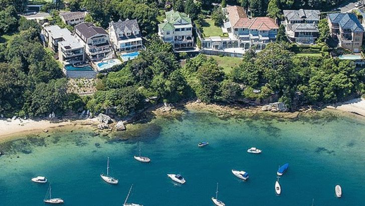 01 July 2015 Vaucluse in Sydney, one of the wealthiest postcodes in Australia Despite almost 25 years of uninterrupted economic growth, inequality in Australia is rising, a new report has found. In... http://winstonclose.me/2015/07/01/a-class-divided-nation-written-by-kostas-rologas/