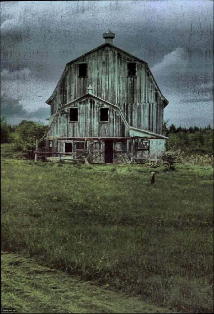Beautiful Classic And Rustic Old Barns Inspirations No 36