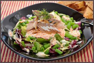 ŐRÜLTEN  JÓ ÉTELEK : Saláta és öntet avagy Viszonylag