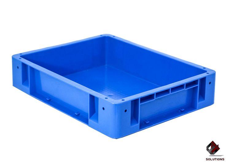 E4-1002 CAJA INDUSTRIAL No. 2  Fabricada en polietileno de Alta Densidad, no toxico y con grado alimenticio. Aprobado para productos que estén en contactos con alimentos. Peso de cada pieza: 1.250 Kg. +/- 2.5%. Capacidad de Carga: 10 Kg o 12 Lts. Condiciones de Estiba: 20 Cestas con Producto o 25 Cestas sin Producto. Capacidad de Estiba: 250 Kg. Forma de estiba: Apilable. Capacidad de estiba: Apilables. Dimensiones: 48 cm. x 38 cm. x 10.4 cm. Peso: 1.230 Kg. Colores: Azul y Gris.