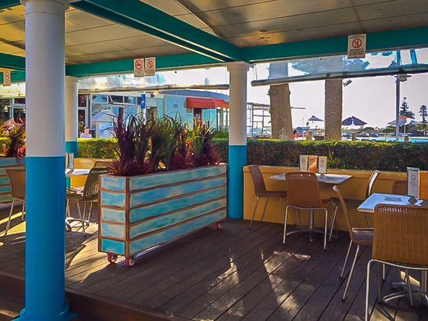 Cafe Restaurant, Indoor Outdoor, Entrance, Environment, Entryway, Door Entry