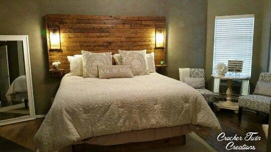 Rustic Texas King Size Headboard With Built In Mason Jar