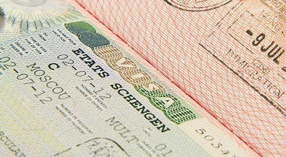Russian Tour Operators Urge Early Bookings for Fear of Visa Delays