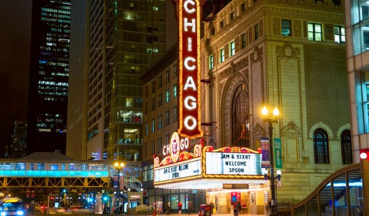 Usted no está en Broadway, pero los boletos en el distrito de los teatros de Chicago tienen un precio como usted podría ser. En los últimos años, Chicago se ha convertido en una especie de campo de pruebas pre-Broadway para producciones de gran presupuesto, pero usted debe ver estos espectáculos en Broadway, no en Chicago antes de que hayan trabajado todas sus torceduras. Y aunque las compañías de producción de Broadway visitarán sus espectáculos y se detendrán en Chicago, deben saltarse los…