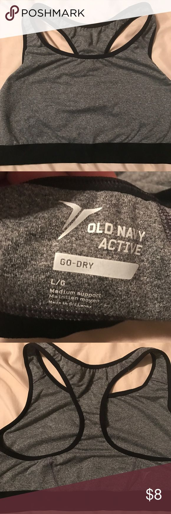 Old navy sports bra worn 2x Only worn two times very good condition Old Navy Intimates & Sleepwear Bras