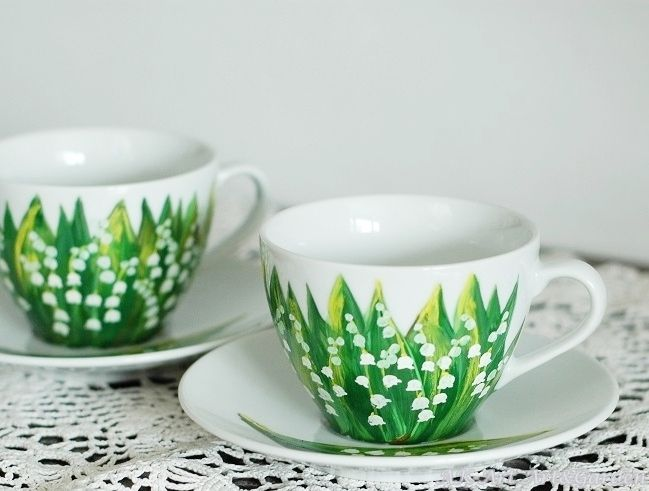 Ręcznie malowane filiżanki w konwalie / Hand painted cups with lilies of the valley