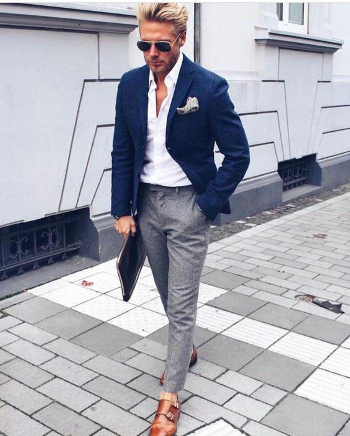 vetement pour homme, vetement homme stylé, pantalon gris, chaussures  couleur caramel, chemise blanche, veste bleu marin avec mouchoir de  pochette blanc et ... ad7f899f04cb
