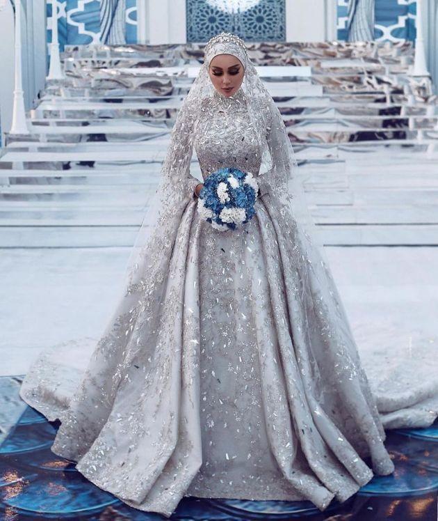 10 Beautiful And Elegant Muslim Wedding Dresses In 2020 Muslim Wedding Dresses High Neck Wedding Dress Wedding Dresses Lace
