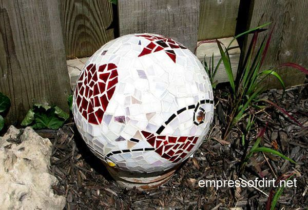 Gallery of creative garden art balls with tutorials | Make your own!