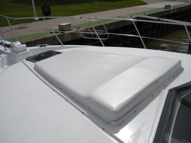 Simple Sun Pad On A Carver 4207 Boat Decor In 2019