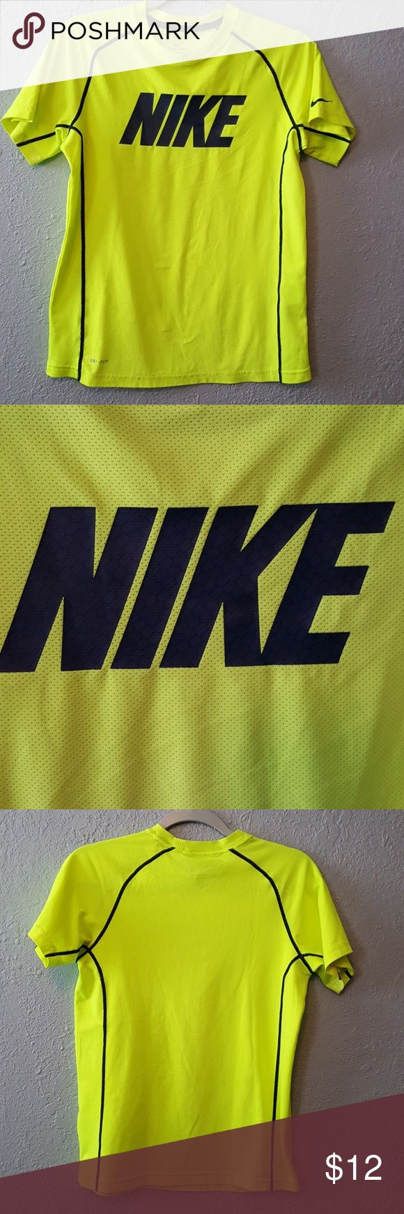 """Boys Nike top size Large Boys Nike top size Large """" Dri"""