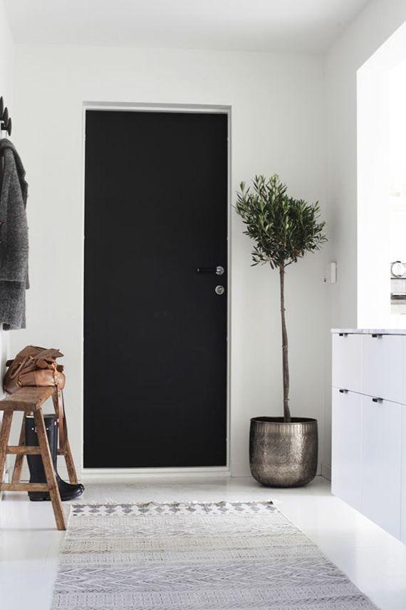 Scandinavian inspired entryway   Elisabeth Heier via Bo Bedre