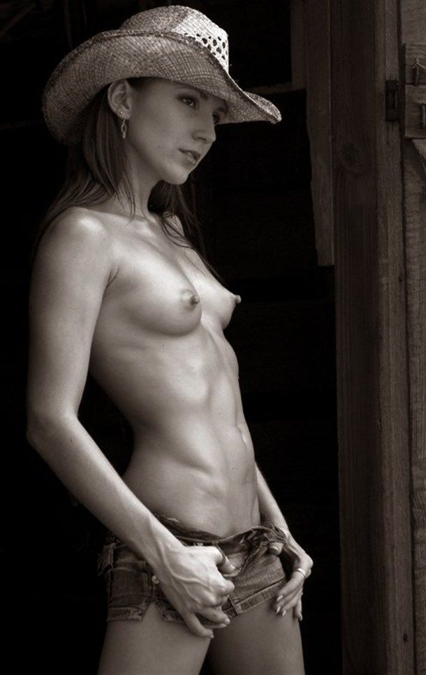 Women nude hard body pictures