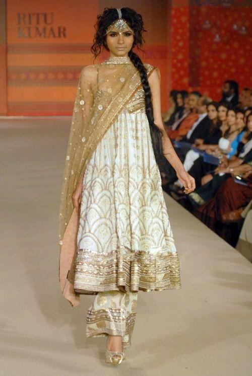 Ritu Kumar anarkali: new trend of flapper/parallel salwar with anarkali