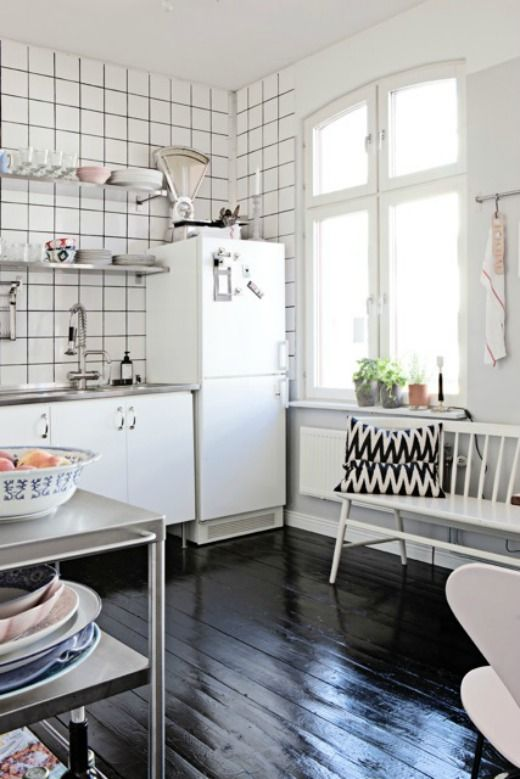 Köket | tantjohanna.se. LOVE the shiny black hardwood floor, the tiles, the simple furnishings and cabinets, and the giant window.