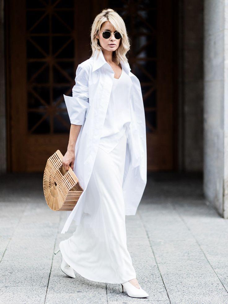 Tra i must del momento c'è lui, il bianco... ma come indossare il total white con stile? Scopri su Stylight 5 basic look total white da copiare proprio ora.