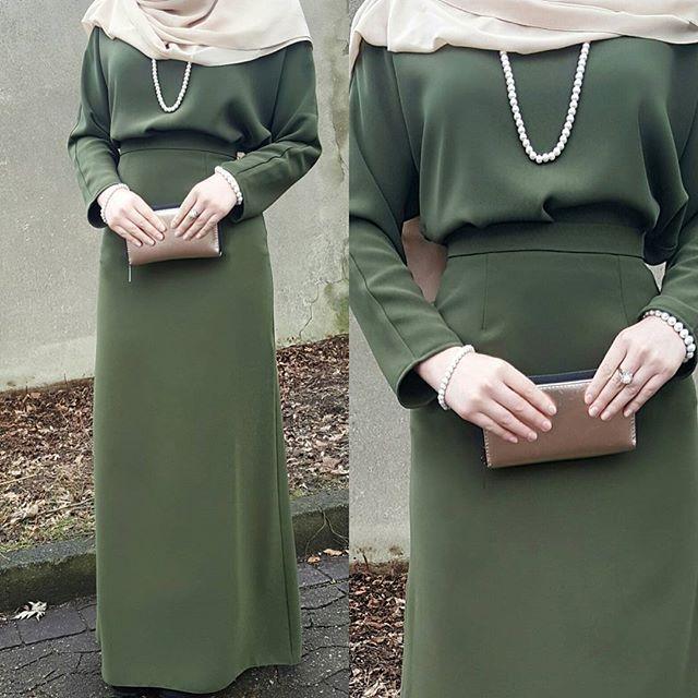 Selamun aleyküm canlar ♡ Dieses wunderschöne 2-teiler-Kleid findet ihr bei @mira_onlineshop , sowohl die Qualität als auch der Stoff sind super!♡ canlarım bu güzel elbiseyi @mira_onlineshop da bulabilirsiniz ❤