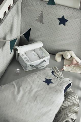 Guirlande fanion, lot de 3 bodies, ensemble doudou, tour de lit et gigoteuse étoile
