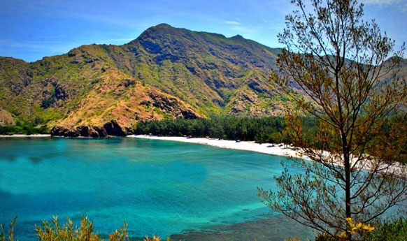 Anawangin Cove in Zambales, Philippines. Will be going here next week.
