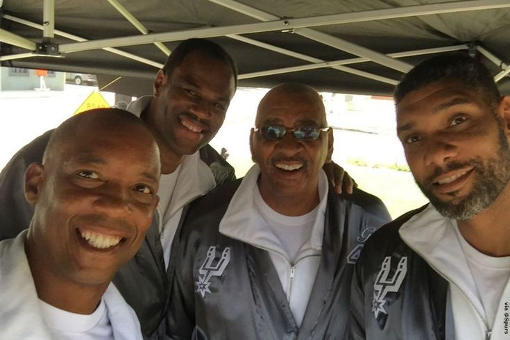 San Antonio Spurs legends reunite on set for H-E-B commercial https://www.charlesmilander.com/news/2017/10/san-antonio-spurs-legends-reunite-on-set-for-h-e-b-commercial/ #charlesmilander #Entrepreneur #nyc