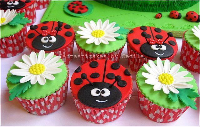 Ladybug cupcakesw