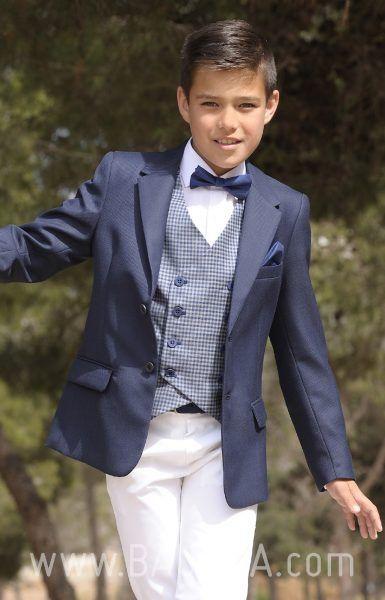 16101455b Trajes de comunión informales para niño en Baunda Madrid 2018. Gran  variedad de modelos de americanas con corbatas o pajaritas. Pide cita o  compra online ...