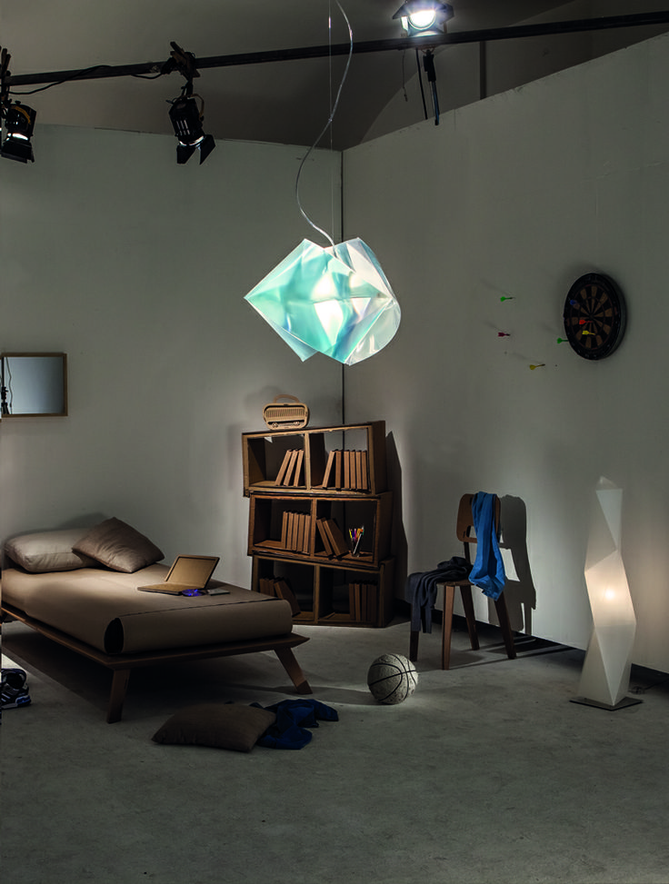 Small Bedroom: Gemmy Prisma Emerald and Diamond Floor