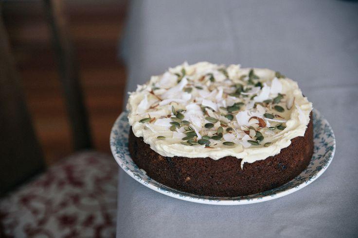 FIG & NUT FLOUR CAKE WITH RAPADURA