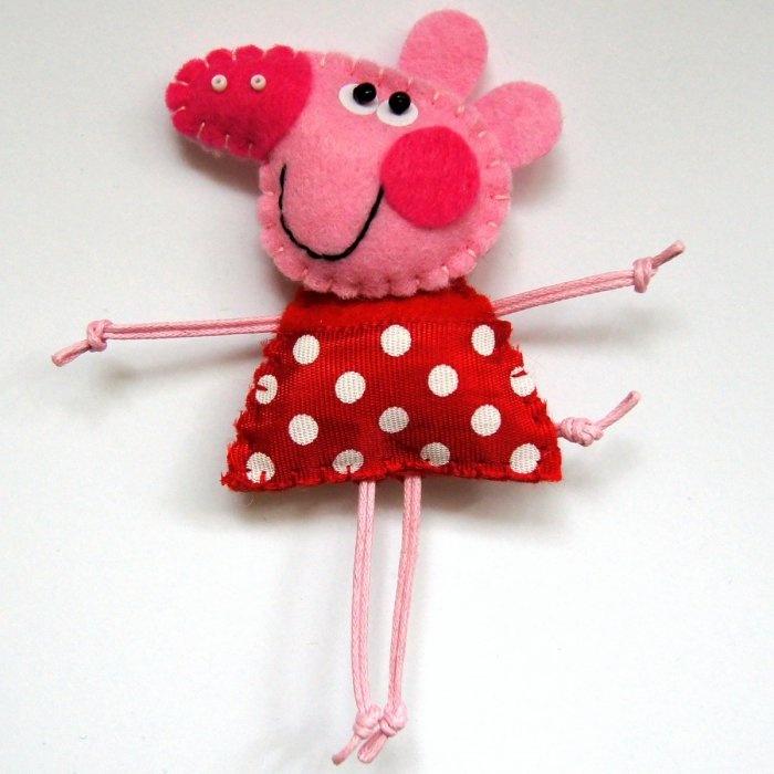 felt crafts - peppa pig for sacconejolys