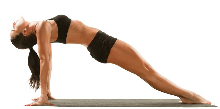 To pilates είναι η καλύτερη γυμναστική για ένα κομψό και γυναικείο σώμα.Με τέσσερις απλές ασκήσεις που μπορείς να κάνεις μόνη σου στο σπίτι,θα αποκτήσεις επίπεδη κοιλιά και εντυπωσιακούς κοιλιακούς χωρίς υπερβολές!  1.Ξεκίνα με την πιο ευκολη! Στηρίξου στα τεσσερα σημεία του σώματος και με την εισπνοή,τέντωσε το ένα πόδι.Στην εκπνοή,λύγισε το πόδι και φέρ'το …