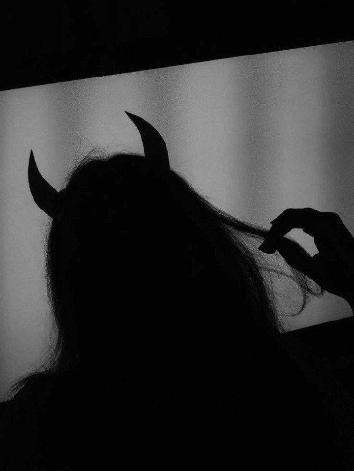Devils Around You Gambar Mode Seni Gelap Sejarah Seni