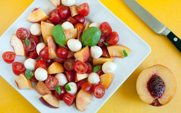Summer Salad (pomodoro mozzarella e pesche noci)