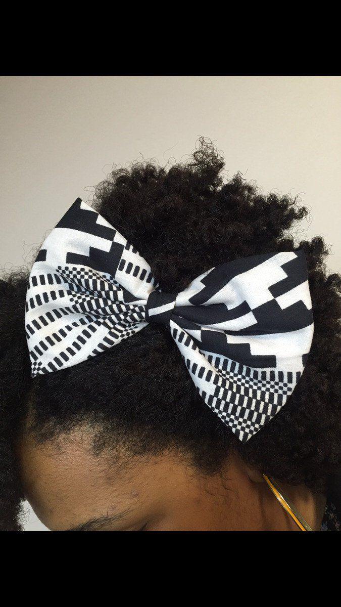 Barrette noeud papillon en wax noir et blanc par Kasolya pour Afrikrea. https://www.afrikrea.com/article/barette-noeud-tissu-wax-noir-blanc-accessoires-cheveux-blanc-pour-elle-coton/DQR23U6?utm_content=buffer042f3&utm_medium=social&utm_source=pinterest.com&utm_campaign=buffer